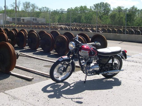 1b438ca2d Out & About in Illinois - Britbike forum